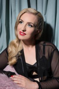 hollywood glamour style headshot
